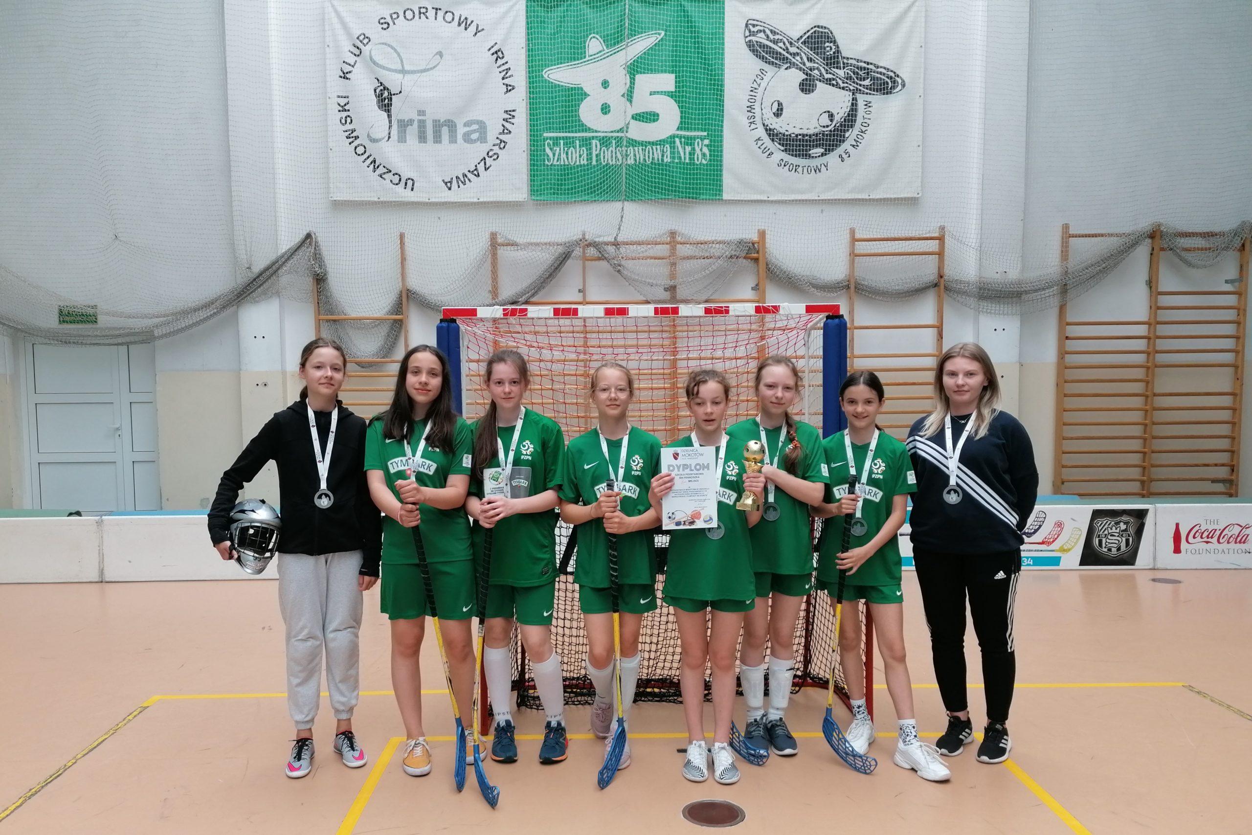 II i III miejsce dziewcząt i chłopców w Mistrzostwach Mokotowa w Unihokeju